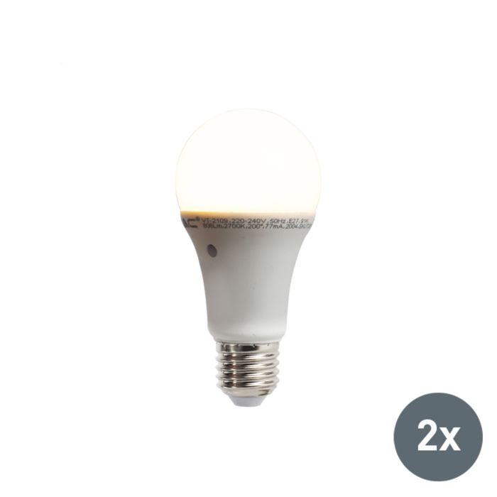 Set-aus-2-LED-Lampen-mit-eingebautem-Hell-Dunkel-Sensor-E27-9W-806-Lumen-warmweiß-2700K
